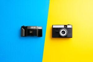 cámara vieja y moderna