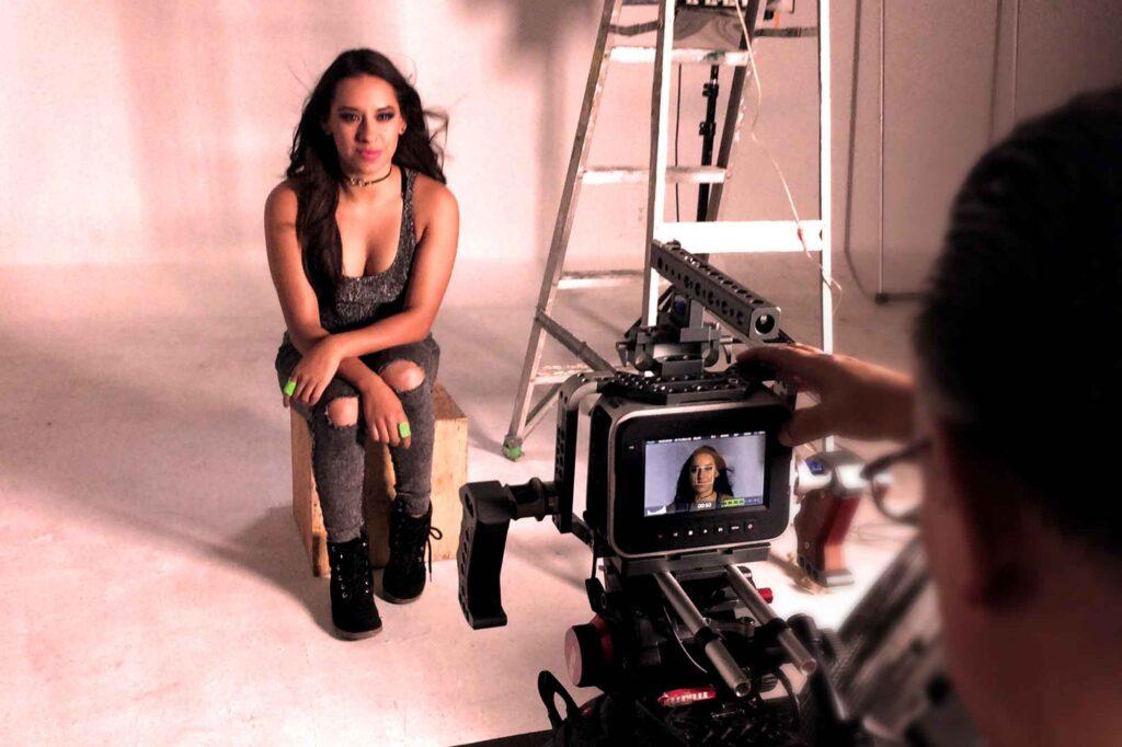SHA Filmando el video